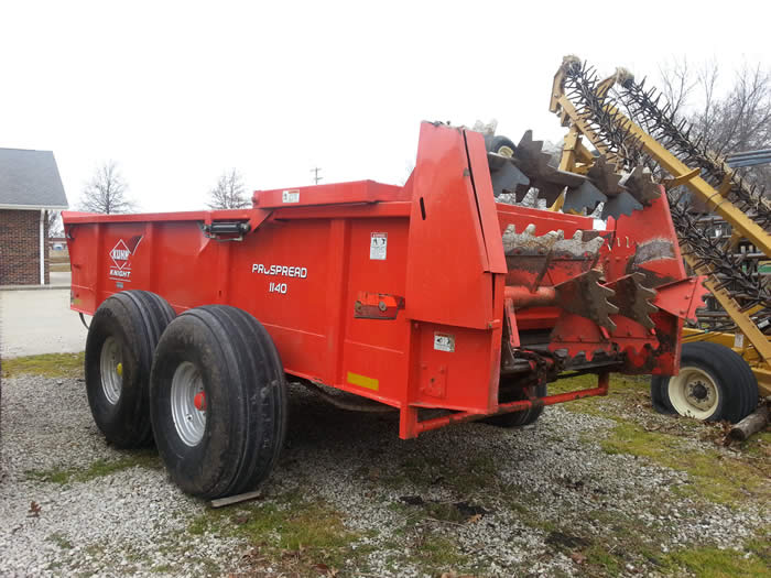 Knight 1140 Manure Spreader